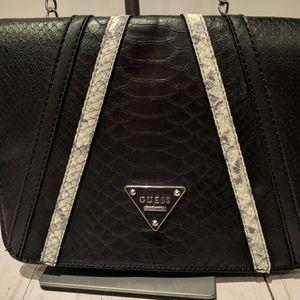 Guess handbag shoulder woman used